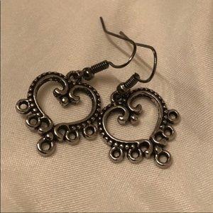 Last Pr! Gorgeous Silver Heart Earrings ❤️